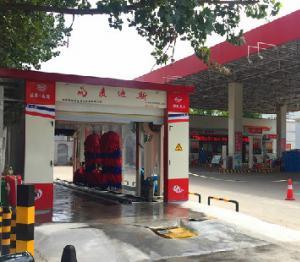 河南开封中石化第十加油站安装后一天四五百辆车