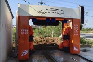 2020麦迪斯在南阳王岗加油站安装橘色龙门洗车机